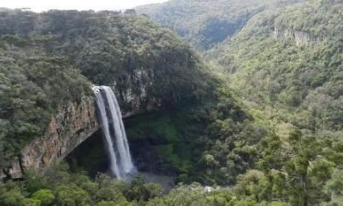 Pontos Turísticos em Canela e Gramado – Rio Grande do Sul - cachoeira no parque do caracol na cidade de canelas