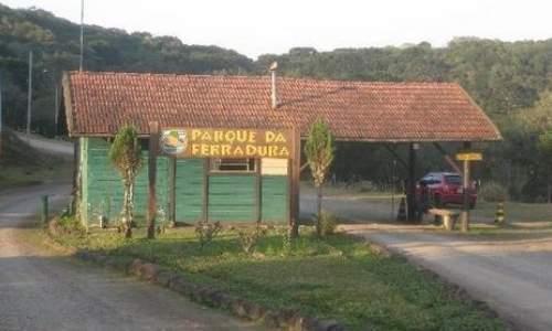 Pontos Turísticos em Canela e Gramado – Rio Grande do Sul - frente do parque da ferradura na cidade de canelas