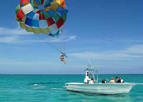 Passeios em Punta Cana - Parasailing