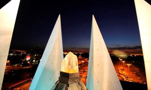 Templo da LBV - maior cristal do mundo no templo da lbv em brasilia