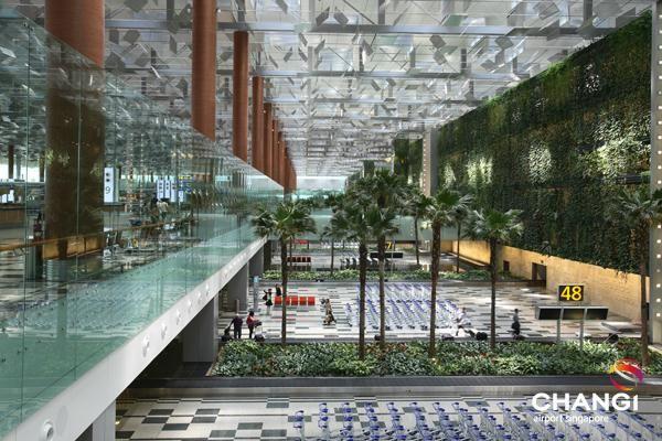 1 - Singapore Changi Airport, Singapura