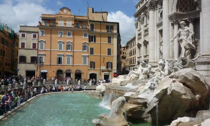 Ponto turistico na Italia - Fontana di Trevi 2 - Copia