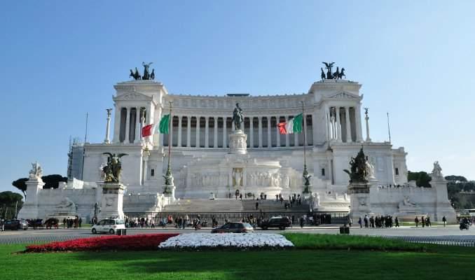Melhores pontos turísticos em Roma - Monumento a Victor Emmanuel II